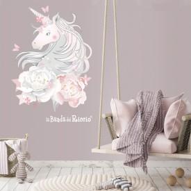 unicorno immerso tra le peonie foto ambientata