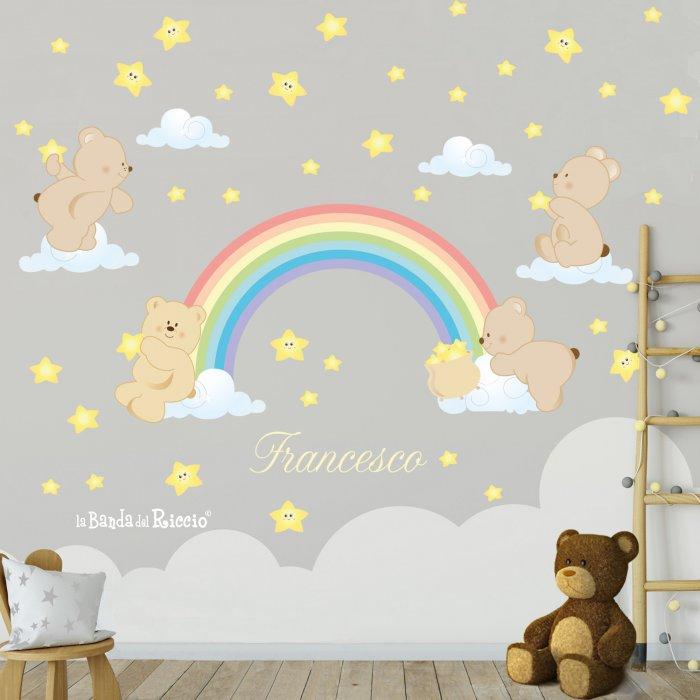Adesivo Arcobaleno sul muro. Un arcobaleno, quattro orsetti e tante stelle