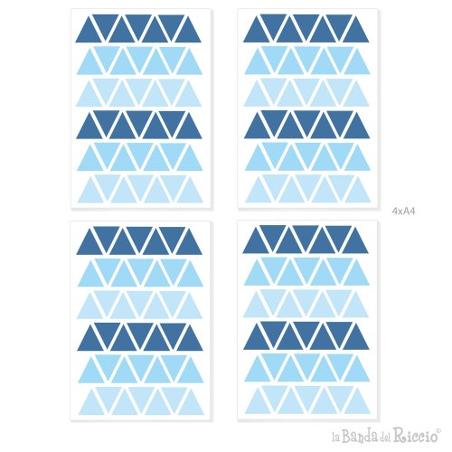 disegno grafico delle quatrro pagine A4 contenenti i triangoli in tre nuances di colore azzurro chiaro, azzurro, blu