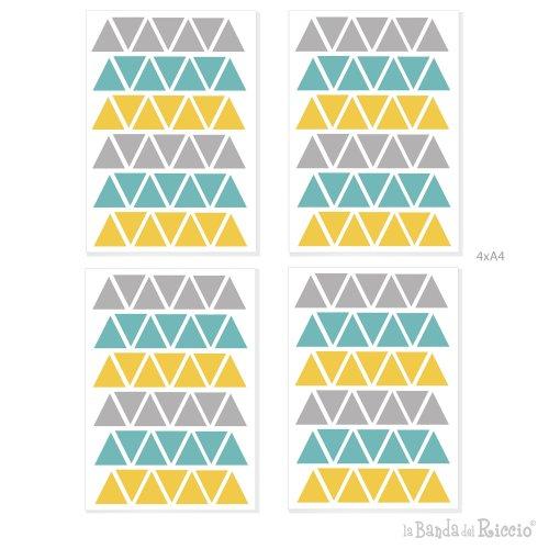 Disegno grafico delle quatrro pagine A4 contenenti i triangoli in tre nuances di colore grigio giallo oro e menta