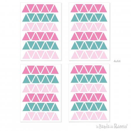 disegno grafico delle quatrro pagine A4 contenenti i triangoli in tre nuances di colore rosa forte menta rosa
